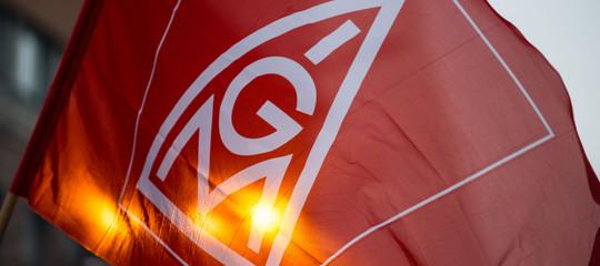 Germania: accordo pilota sulle 28 ore, è un'intesa storica