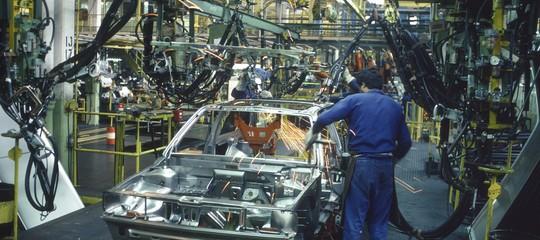 Accordo storico in Germania: i metalmeccanici potranno lavorare 28 ore