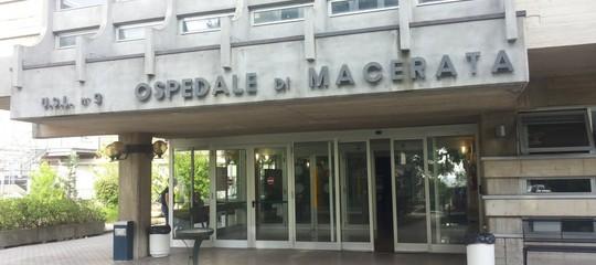 Macerata: operata alla spalla la donna ferita da Traini