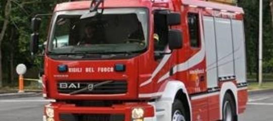 Esplosione in una ditta nel Comasco, coinvolti lavoratori