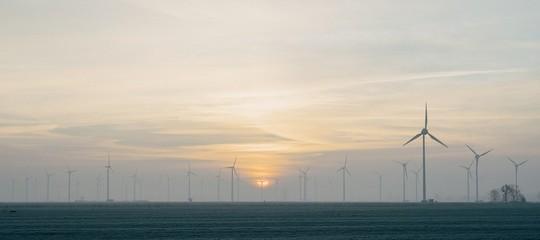 Per sostenere le rinnovabili teniamo in vita centrali a carbone inquinanti