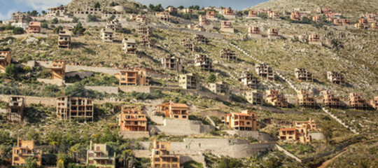 A proposito di condono, inumeri dell'abusivismo edilizio in Italia