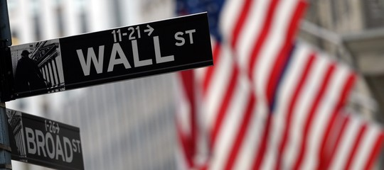 Wall Street: nuovo tonfo, Dow Jones chiude a -4,2%