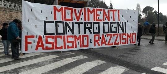 Perché il sindaco di Macerata non andrà alla manifestazione antifascista