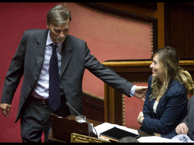 """Riforme: via libera della Camera Fi spaccata; M5s esce, """"fascisti!"""""""