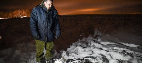 Nell'incidente aereo di Mosca sono morte 71 persone, ecco le ipotesi del disastro
