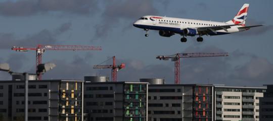 Gb: trovata bomba inesplosa II Guerra Mondiale, chiuso London City Airport