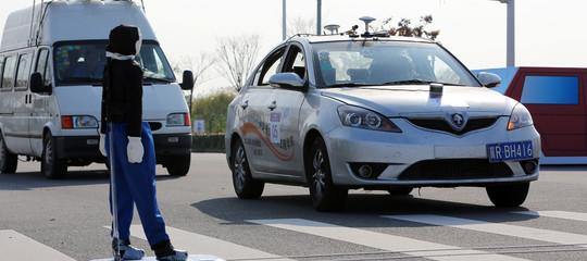L'auto a guida autonoma è diventato un rompicapo per filosofi