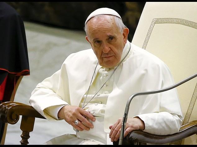 """Appello Papa contro corruzione  """"Far crescere economia onesta'"""