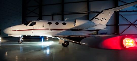 Su un sito si comprano biglietti aerei a poco grazie ai jet privati che volanovuoti
