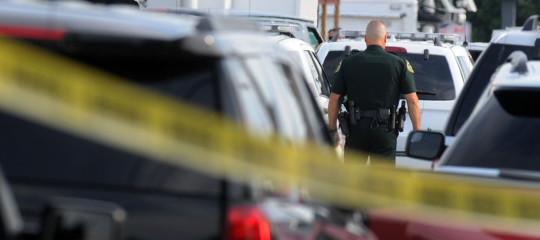 Ex studente fa strage in una scuola in Florida, 15 morti