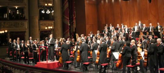 Chi è l'uomo che tiene sempre aperta La Scala e la riempie di sponsor