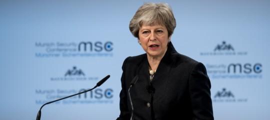 """TheresaMayvuole """"con urgenza"""" un accordo sulla sicurezza con la Ue"""