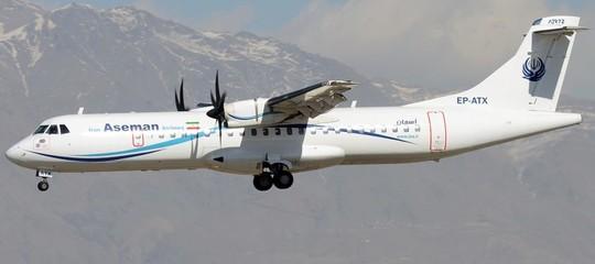 Precipita aereo nel sud dell'Iran, tutti morti i 66 a bordo