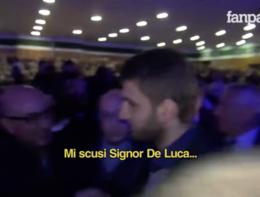Schiaffi alla giornalista che voleva intervistare De Luca