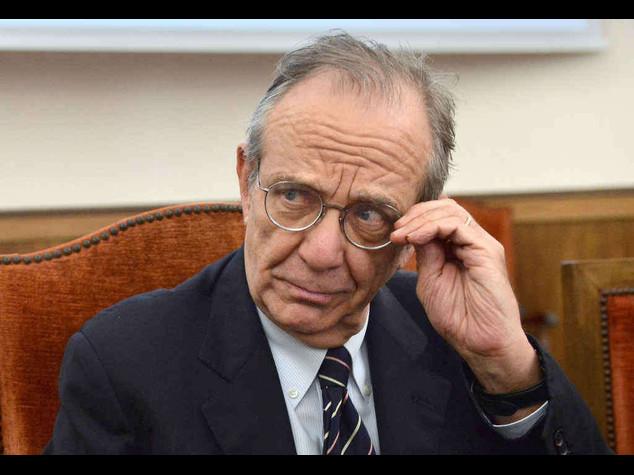 """Grecia: Padoan, """"nessun rischio di contagio per l'Italia"""""""