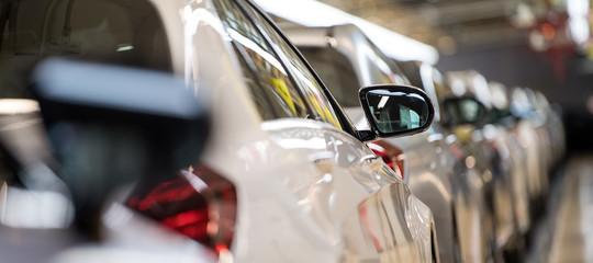 Anche le autoDaimlernel mirino per i software che tarano le emissioni diesel?