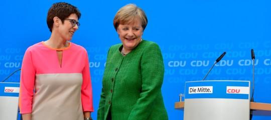 Chi èAnnegretKramp-Karrenbauer, la donna che potrebbe succedere ad Angela Merkel