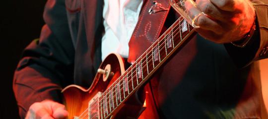 Storia dellaGibson, l'icona del rock che ha dichiarato bancarotta