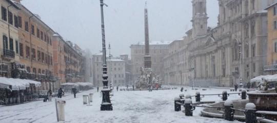Il piano neve a Roma. Disagi per i tram e strade impraticabili