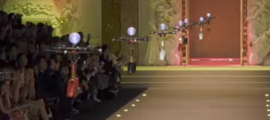 Droni insieme alle modelle. È rivoluzione tecnologica sulle passerelle di Dolce & Gabbana