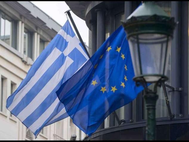 Germania, ok aiuti alla Grecia. Lo   Spread sotto quota 100 punti