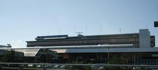 Maltempo: aeroporto Ginevra riapre dopo chiusura per neve