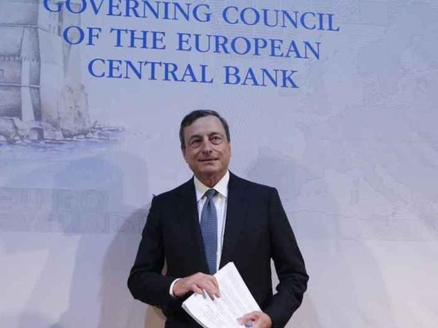 """Draghi: """"la recessione sembra non finire mai"""". E le borse affondano"""