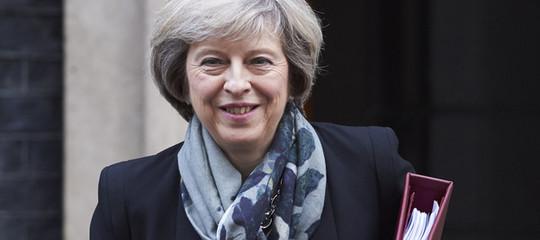 Brexit: May, nessun referendum ma dazi e controlli siano minimi