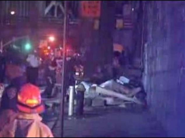 Brooklyn Bridge facade collapses injuring five people