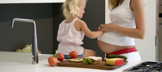 Cosa mangia una mamma responsabile (anche quando è vegana)
