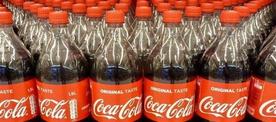 Cosa c'è da sapere sulla Coca Cola alcolica