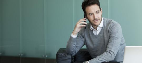 Bollette telefoniche e costi nascosti: cosa gli operatori (spesso) non dicono