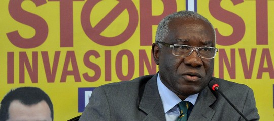 Cosa ha detto sui migrantiil senatore ToniIwobiin un'intervista al 'Guardian'