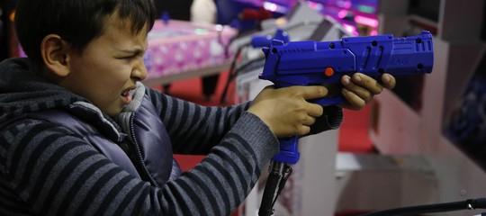 Per risolvere il problema delle sparatorie,Trumpcomincia dai videogame
