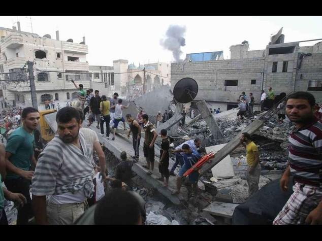 Hamas, combatteremo per mesi Quarta notte di raid su Gaza