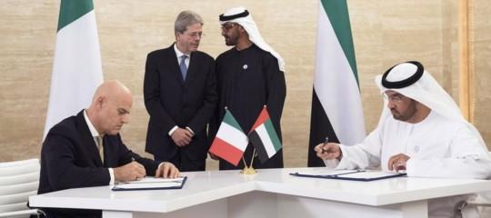 Qual è il significato della doppia mossa dell'Eni con gli Emirati Arabi