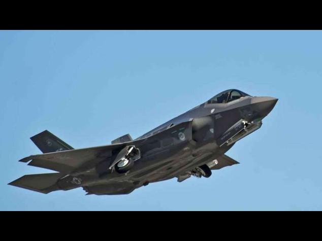 Usa: Fbi accusa imprenditore cinese di spionaggio sugli F-35