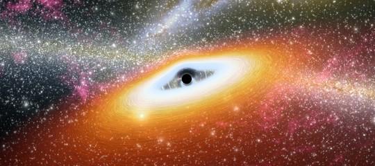 Cosa ha scoperto Hawking di così eccezionale?