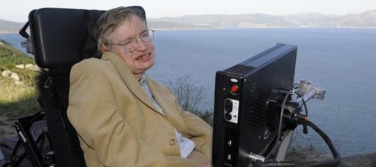 Cosa ci lascia Stephen Hawking, una vita dedicata ai misteri del Cosmo