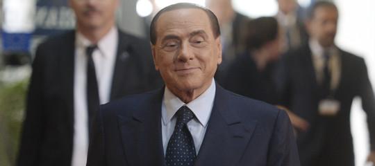 """Elezioni: Berlusconi 'apre' al Pd che ribatte """"fantapolitica sostegno a governo centrodestra"""""""