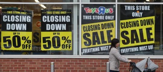 Perché la più grande catena di negozi di giocattoli sta chiudendo