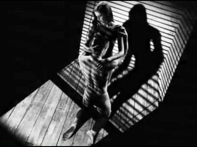 Cinema: ecco nuovo 'Sin City' di Frank Miller, sesso adrenalina e violenza - video