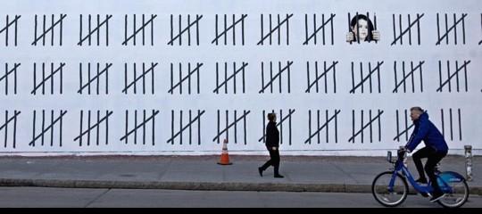 Chi è l'artista turca che dovrà farsi 3anni di carcere per un dipinto. L'omaggio diBansky