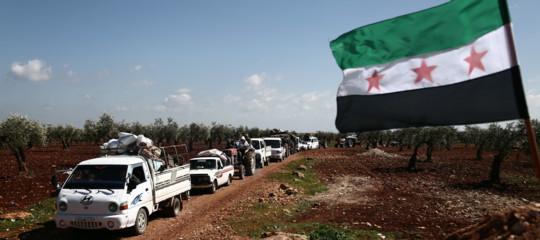 Siria: tragico esodo, più di 150.000 in fuga daAfrin; 30 civili uccisi nella Ghouta