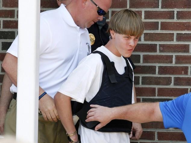 """Il killer di Charleston confessa """"volevo guerra razziale"""""""