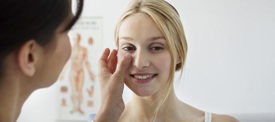 Rifarsi il naso non è più di moda. Ma non perchè è aumentata l'accettazione di sé