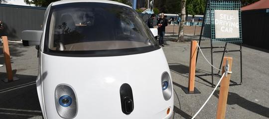 È la fine del sogno delle auto senza conducente?