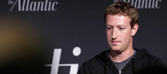 Anche il cofondatore diWhatsappconsiglia di cancellare Facebook. Cosa sta succedendo?