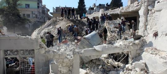 Siria: raid aereo su Idlib, uccisi almeno 16 bambini